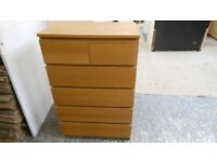 6 drawer solid chest of drawers. 4 large and 2 small. excellent condition. can deliver