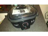 Slow cooker / 8 in 1 cooker