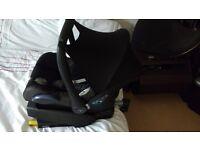 Maxi cosi cabriofix infant car seat and isofix base