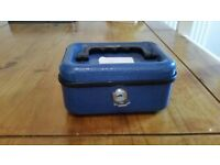 Solid steel cash box