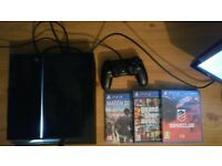 PS4 Black 500 GB + One Controller + 3 games