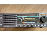 Kenwood R2000 communication receiver
