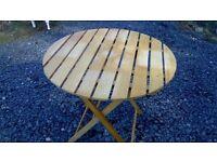 Foldaway slatted picnic/patio table