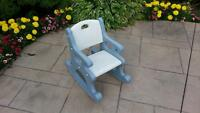 TODDLERS ROCKING CHAIR