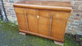 VINTAGE OAK 1940s 2 DOOR SIDEBOARD GOOD SHABBY CHIC PAINTING PROJECT