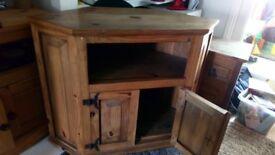 Crona T.V table 83x109x53 £30 o.n.o