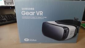 SAMSUNG GEAR VR VIRTUAL REALITY VIEWER. PERFECT AND BOXED