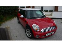 Mini Cooper 2007 Red with White Roof