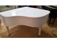 ORNAMENTAL WHITE BABY GRAND PIANO