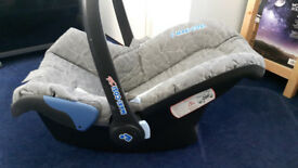 Grey Maxi-Cosi car seat Group 0+