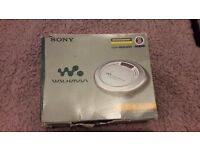 SONY D-EJ620 CD WALKMAN JOG PROOF WITH BOX AND INSTRUCTIONS FULLY TESTED AND WORKING