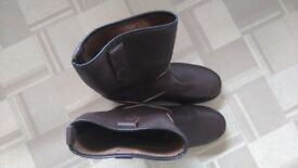 New leather rigger boots size 8