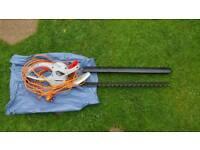 Nearly New SPEAR & JACKSON GARDEN POWER HEDGE TRIMMER - 600W - 63CM BLADE - MODEL GHT6063