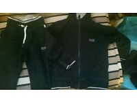 Boys hugo boss track suit 3_4