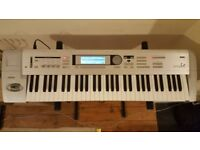 KORG Le 61 with Flightcase + Stand