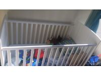 Kids Winnie the poo cot bed
