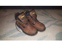 DeWalt Safty Boots Size 7UK /41EU