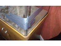 Aquareef 200 Aqua One Aquarium Cabinet Tank Glass Cracked