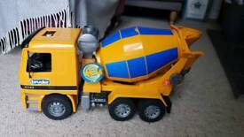 Cement mixer toy big Mercedes truck great condition