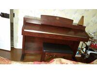 Yamaha Clavinova CLP340 electric piano in pristine condition