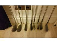 Golf clubs pong i2