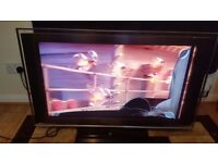 Sony KDL-40x3500 sell, broken screen, all ports and speakers work.