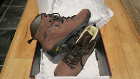 Mountain Warehouse Walking Boots For Sale (Size 7)