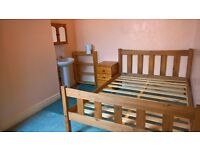 Big, Bright Double Room in Spacious Home with Couple