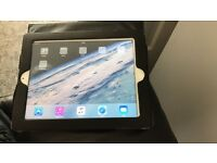 White iPad 3 with wifi + 3G 64gig excellent condition