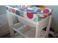 Changing table unit with bath