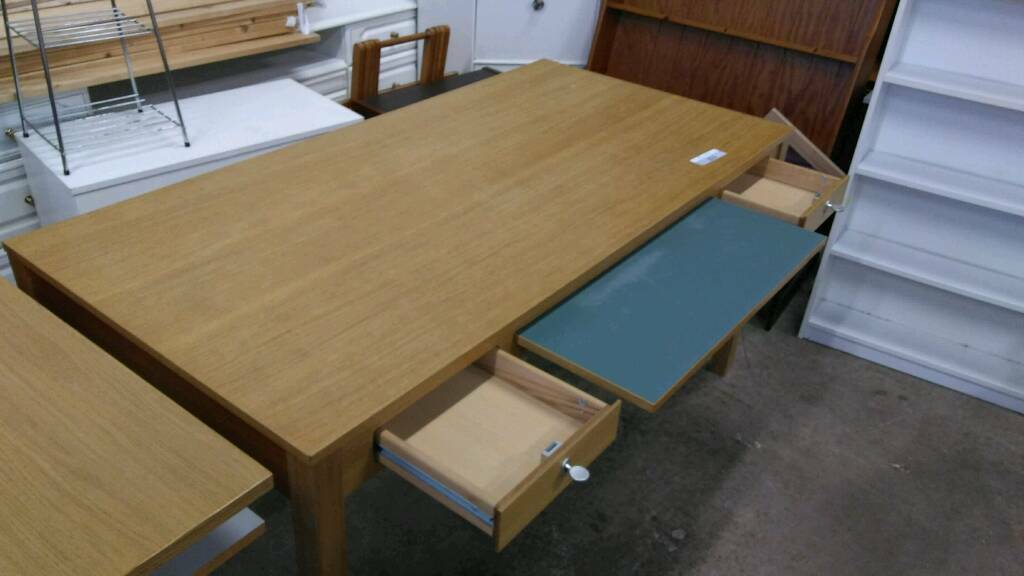 Desk/Table -suitable for home or office