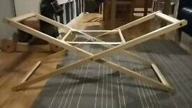 £5 Moses basket stand