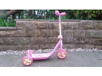 Girls Minnie Mouse scooter