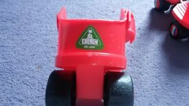 Adjustable toddler roller skates in red