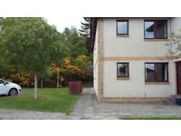 2 Bedroom Flat, Own Entrance, Private Parking, Private Maintained Grounds.