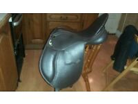 GFS Genesis 15 1/2 inch adjustable saddle
