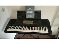 Yamaha PSR-730 keyboard with foldable stand in very good condition