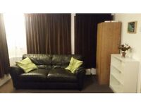 A Spacious & Furnished Double Room Available For A Single Person In Sudbury Town In a Family House