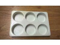 Plastic paint trays/pots