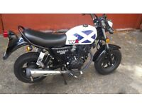 WK Tomcat 125cc motorbike, 750 miles, good condition, first mot due in September 2019.