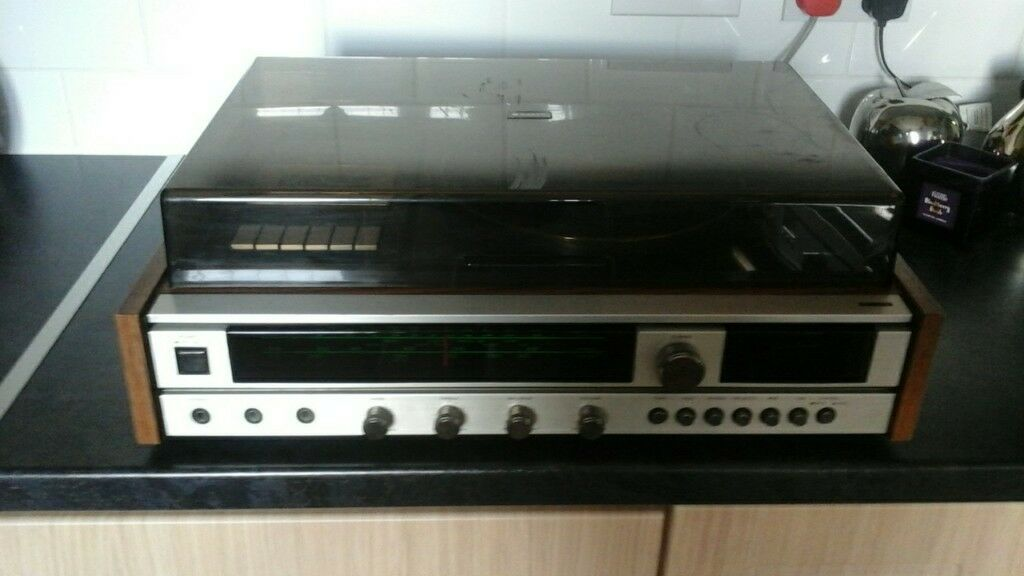 Sanyo Record player /radio /cassette