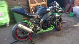 For sale kawasaki zx10 used as a track bike, in green and black, comes with many extras on the bike.