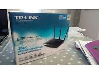 AS NEW TP-LINK N600 WIRELESS DUAL BAND GIGABIT ROUTER + ADSL2+ MODEM WIFI