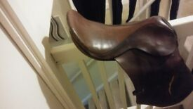 16inch brown leather breaking saddle