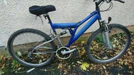 APOLLO LADIES OR MENS MOUNTAIN BIKE, 18 INCH FRAME, 26 INCH WHEEL'S, 18 GEARS, GOOD CONDITION