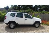 Dacia Duster - white - 32,000 - 4x4 style - estate size - lovely vehicle