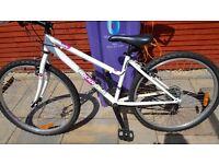 Btwin Rockrider 5.0 womens Mountain bike