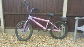 Girls Pink Vibe Envy Bike