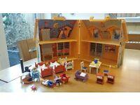 Play Mobil take-along dollhouse
