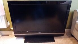 LG 42 inch LCD TV (42LC2D)